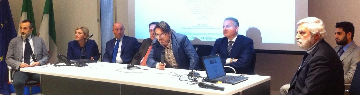 Nella foto da sx Raffaele Iodice, Tecla Magliacano, Antonio Guarino, Luca Meldolesi, Tommaso Gabriele, Antonio Tuccillo, Angelo Punzi, Bruno Senese